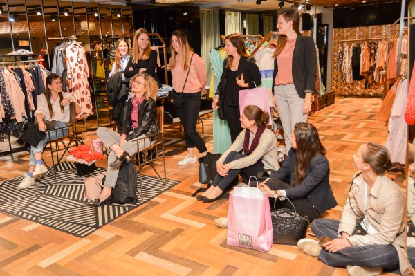 Personal shopping shopping night teambuilding stijladvies shoppingbegeleiding
